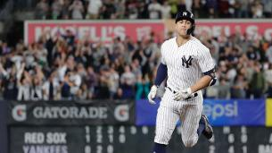 Watch: Stanton blasts opposite-field grand slam