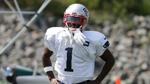Report: Patriots WR Brown expected to play