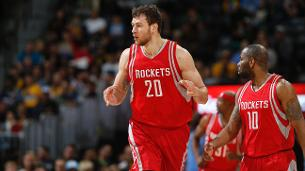 Nets sign Donatas Motiejunas to offer sheet