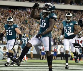 c1e0ff4c6fa Eagles beat Falcons, 18-12, as new NFL season gets underway